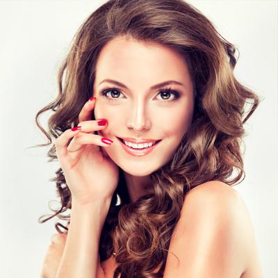 Maquillage, parfums et coiffures